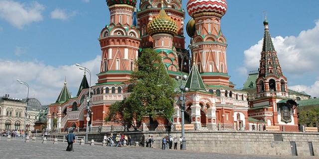 Juni: Flussfahrt Moskau – St. Petersburg