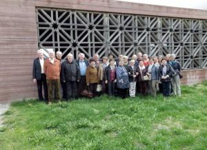 Die Gruppe des Seniorenbundes Lustenau vor dem islamischen Friedhof