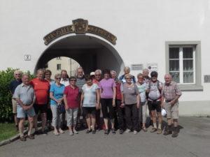 Die Truppe vor dem Klosterkeller
