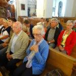 Um 10 Uhr besuchten wir die Heilige Messe