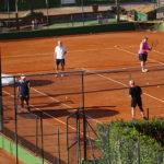 11 Tennisplätze direkt beim Hotel