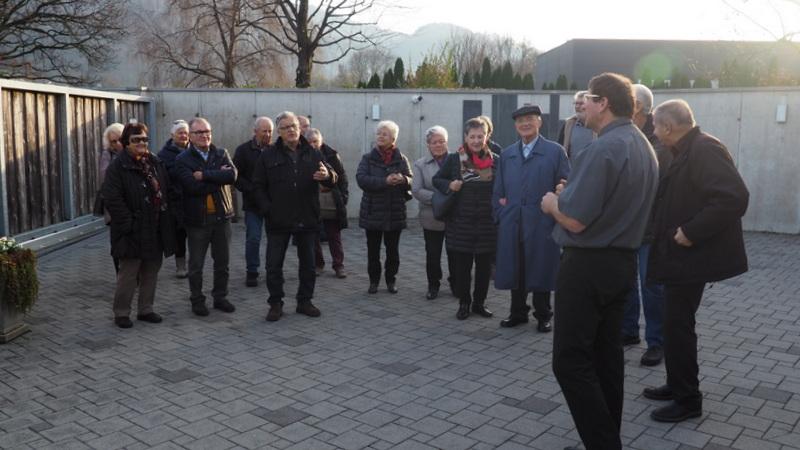 Senioren von Sulz-Röthis-Viktorsberg besichtigen das Krematorium Hohenems