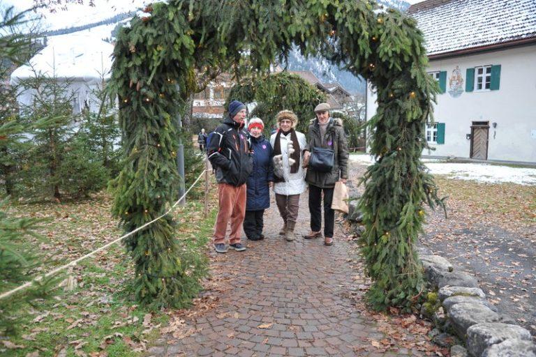 Seniorenbund Höchst am Weihnachtsmarkt in Bad Hindelang - Image 7