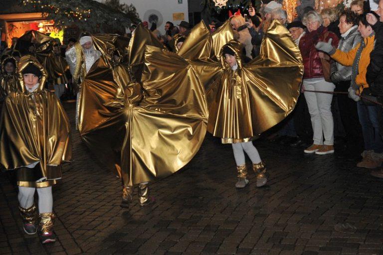 Seniorenbund Höchst am Weihnachtsmarkt in Bad Hindelang - Image 9
