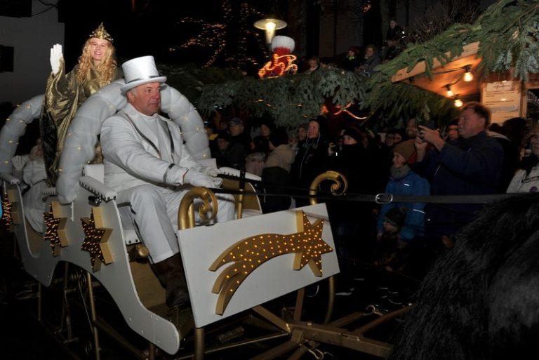 Seniorenbund Höchst am Weihnachtsmarkt in Bad Hindelang - Image 10
