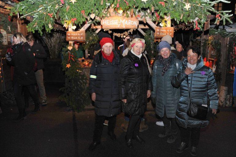 Seniorenbund Höchst am Weihnachtsmarkt in Bad Hindelang - Image 15