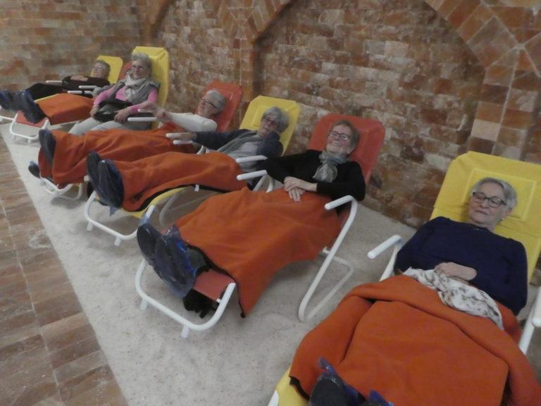 Koblacher Seniorinnen und Senioren testen die Salzgrotte in Dalaas - Image 2