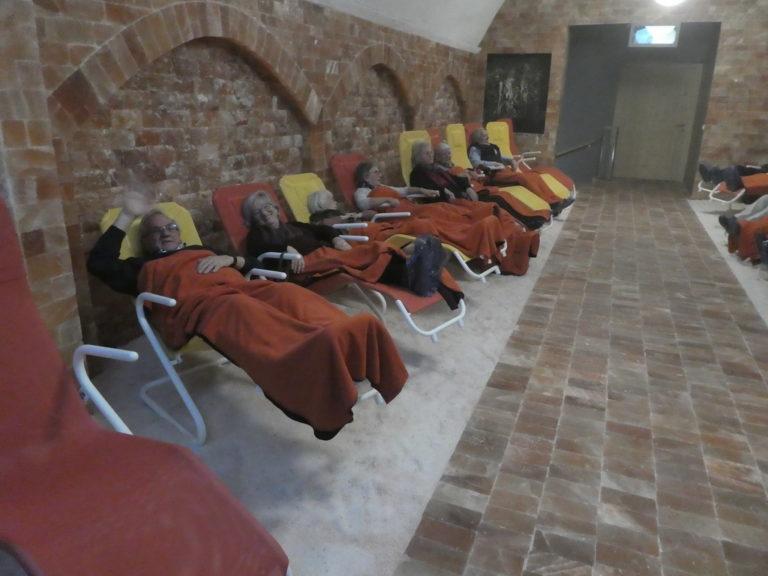 Koblacher Seniorinnen und Senioren testen die Salzgrotte in Dalaas - Image 3