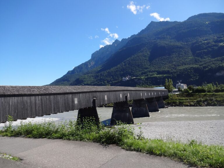 Alte Holzbrücke Vaduz - Image 9