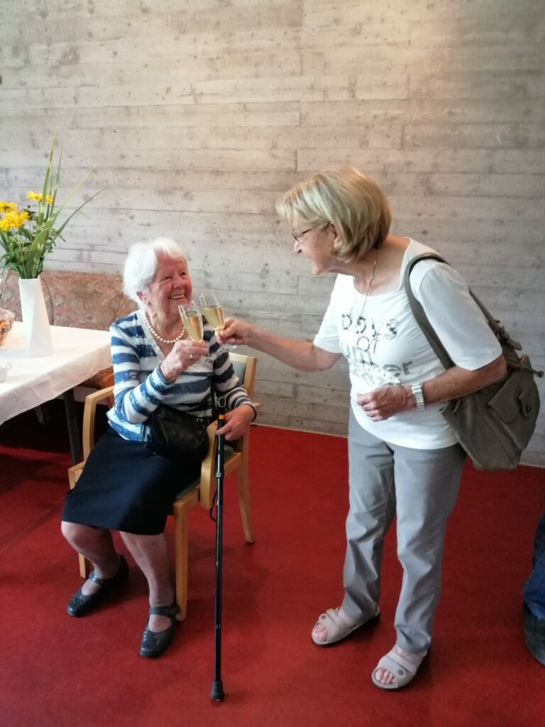 Geburtstagsfeier im Pfarrheim - Image 9