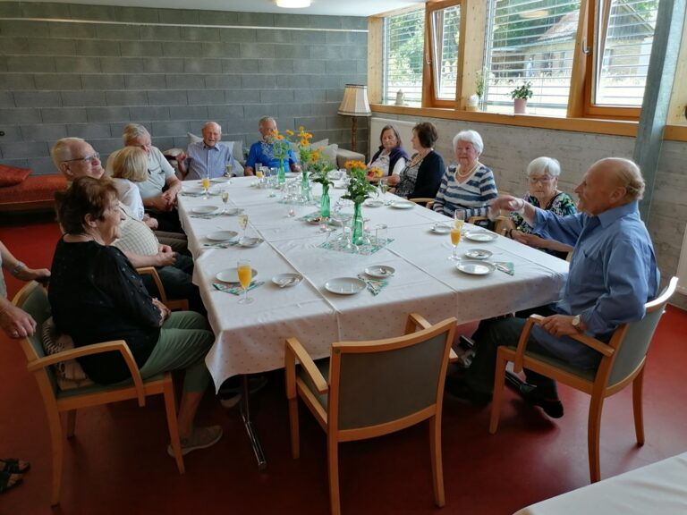 Geburtstagsfeier im Pfarrheim - Image 22